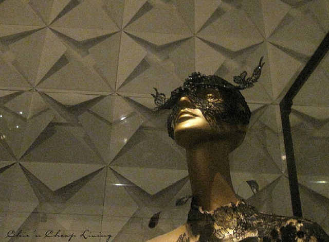 Valentino, mask work with Oiesaux de nuit, 2009 at Valentino Retrospective - by Chic n Cheap Living
