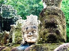 Guard status at angkor thom get