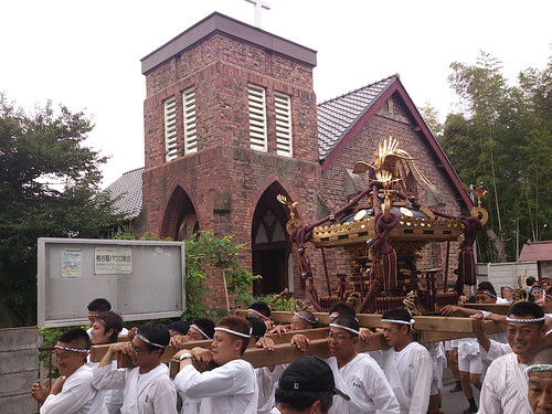 お神輿と教会