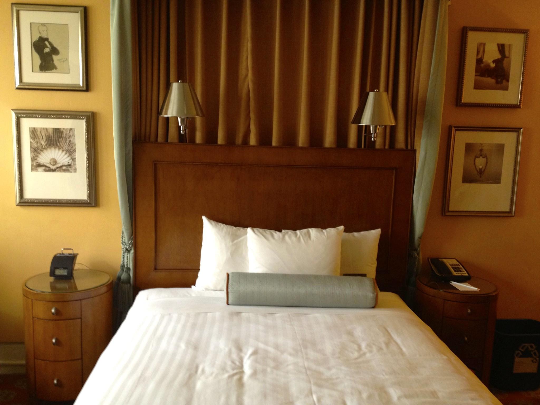 villa florence hotel san francisco interior of room 411. Black Bedroom Furniture Sets. Home Design Ideas