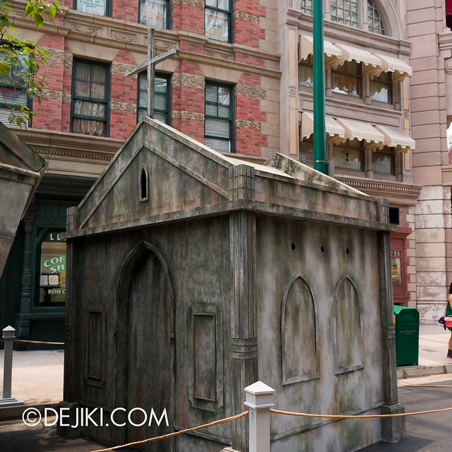 HHN3 Before Dark 1 - Attack of the Vampires crypts 2