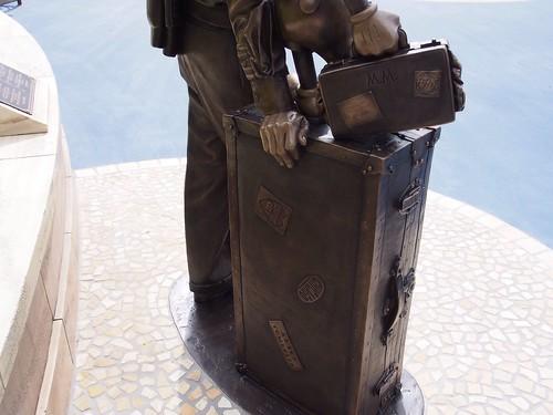 東京ディズニーシー、ストーリーテラーズ像