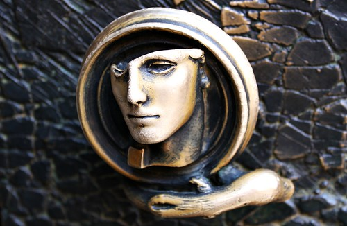 Face in bronze