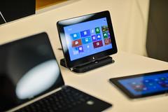 desktop computer(0.0), electronic device(1.0), tablet computer(1.0), personal computer(1.0), multimedia(1.0), gadget(1.0), screenshot(1.0), computer program(1.0), computer hardware(1.0), laptop(1.0),