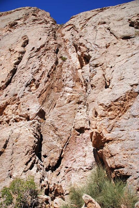 282 Montañas donde colgaban a los muertos en Chak Chak (29)