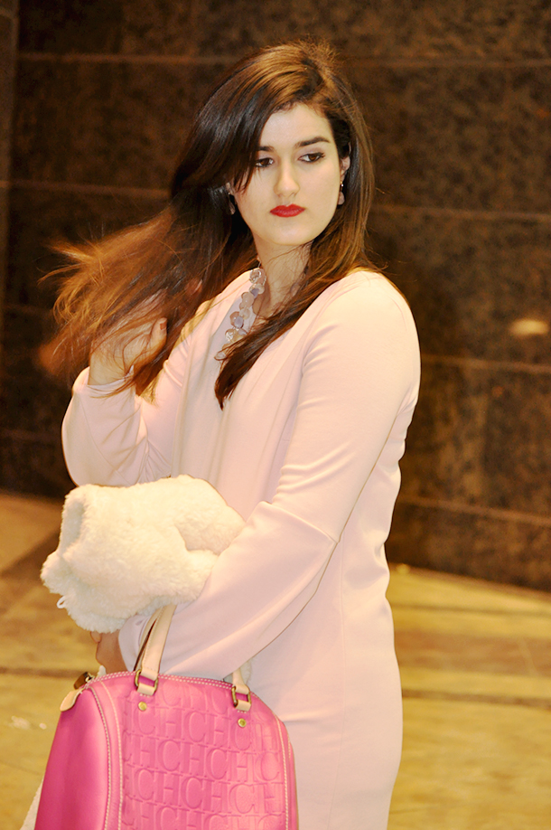 valencia fashion blogger style, andy seven carolina herrera pink bag, something fashion blog valencia spain fashion blogger, faux fur wool llama coat vintage