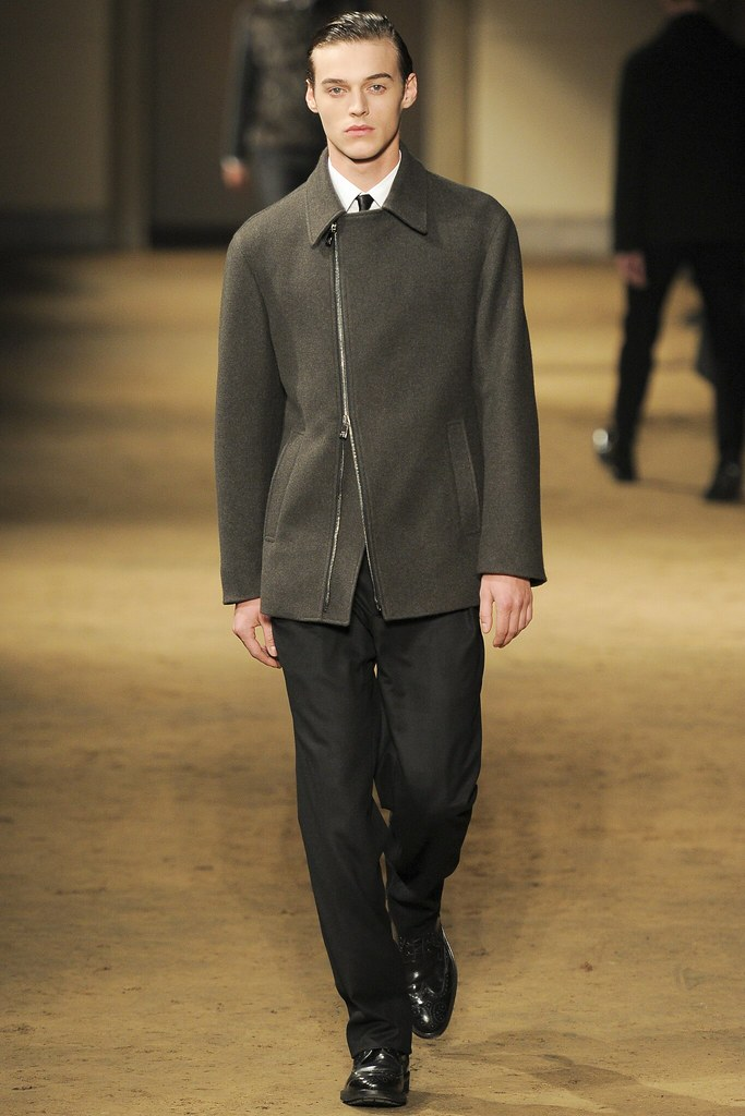 FW14 Milan Corneliani021_Robbie Wadge(VOGUE)