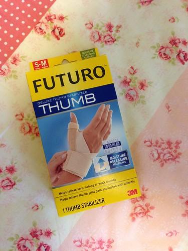 外包裝封盒@3M FUTURO THUMB 姆指支撐型護腕