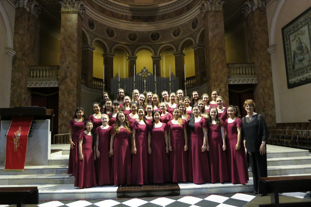 The Young Women's Chorus of San Francisco after its concert in Lecco