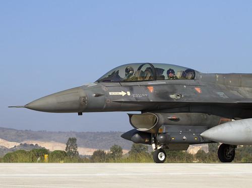F-16 605 CLOFTING IMG_9104FL