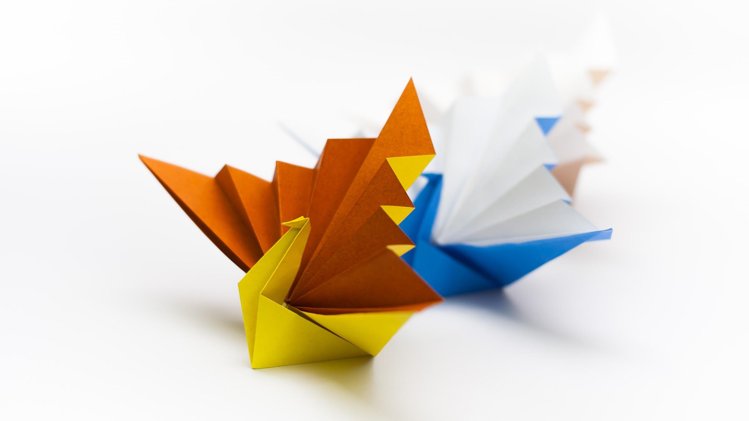 วิธีพับกระดาษเป็นรูปนกยูง (Origami Peacock - ピーコックの折り紙) A