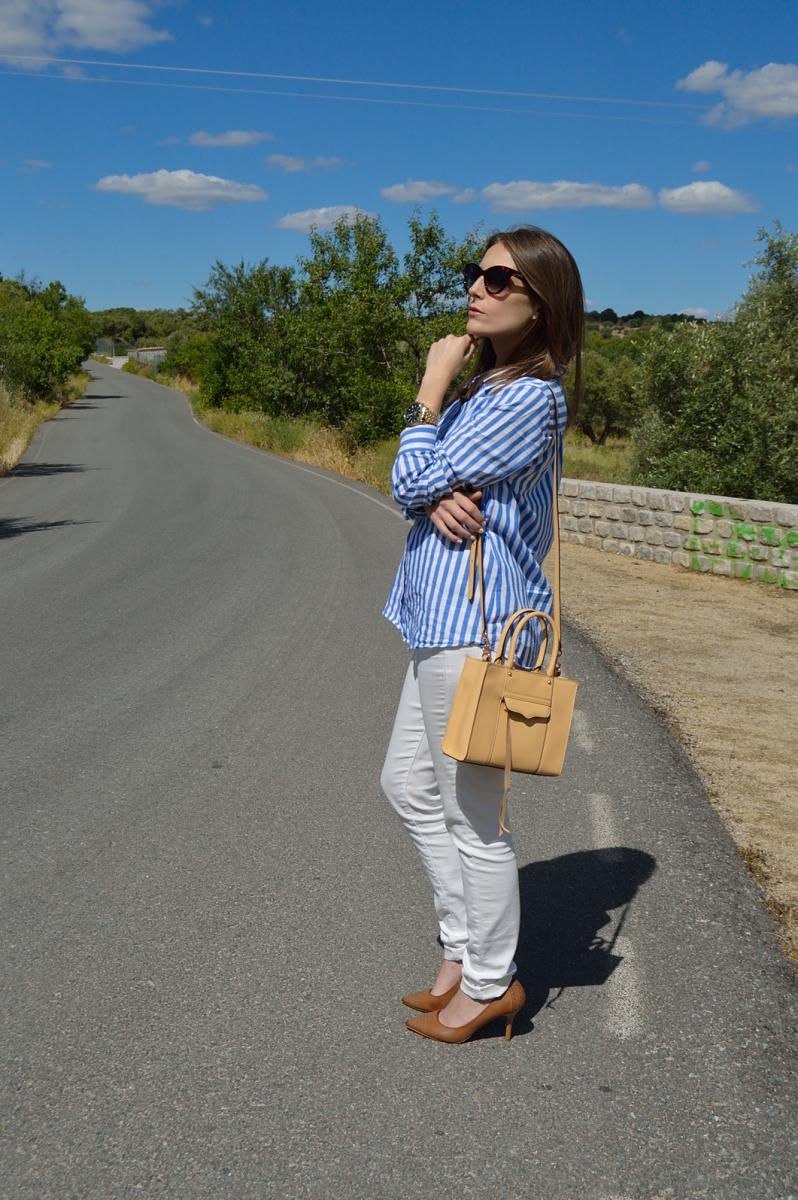 lara-vazquez-madlula-fashionblog-blue-white-spring-attire-beige