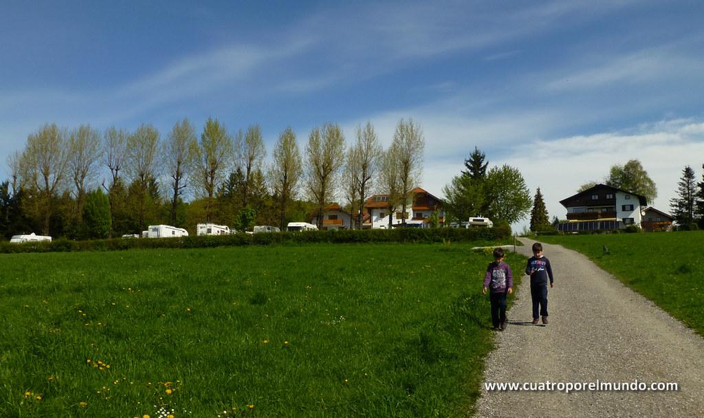Bajando desde el camping a la parada del autobus