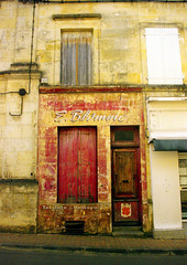 Jonzac shopfront - Photo of Saint-Germain-de-Vibrac