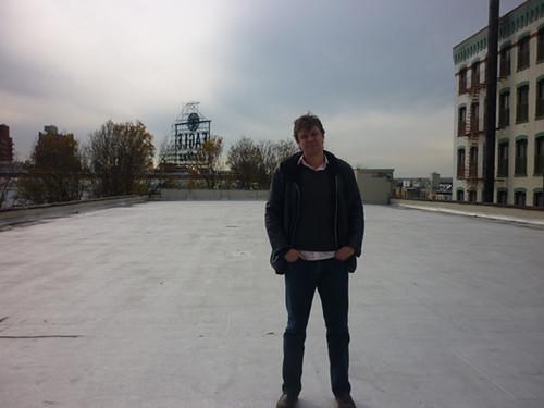 webdice_Dan_at_OACF_roof_P1040463