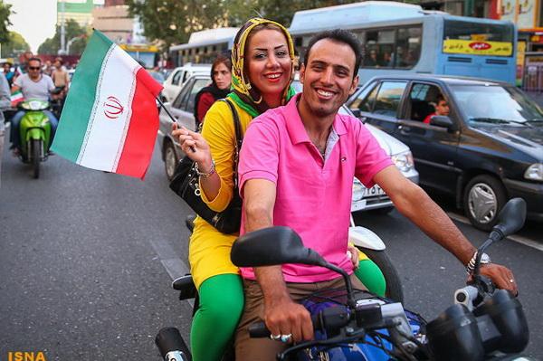 Иран, иранцы, футбол, праздник