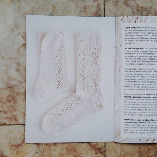 meias de grades de bucos