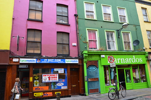 Streetlife in Ireland by Ginas Pics
