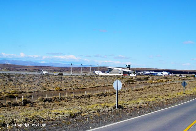 Comandante Armando Tola International Airport landscape