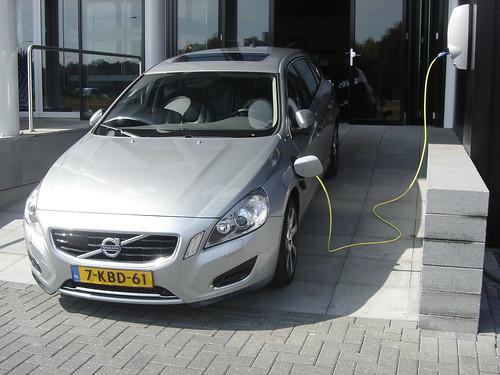 2013 Volvo V60 Plug-In Hybrid