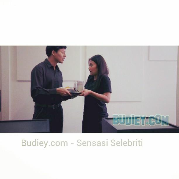 Jgn lupa temujanji kita malam ni, ada drama Sangkar di @tv9malaysia  jam 8.30 mlm ya #SangkarTV9