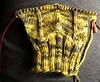 Zig-zag gloves