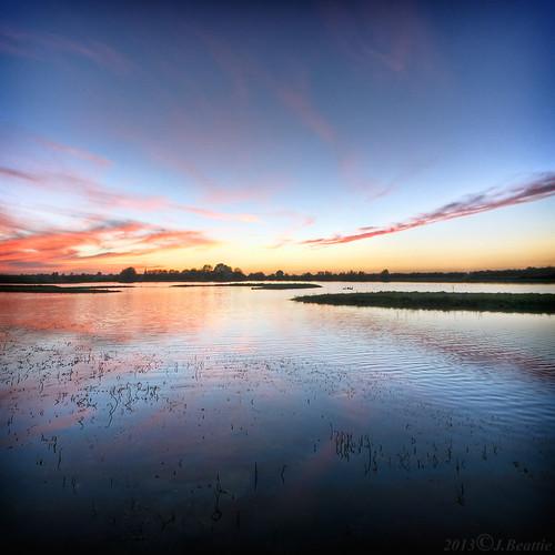 sunset colour squareformat cambridgeshire cycleride guidedbusway fendraytonlakes misguidedfussway handheldtripodstaketoolong