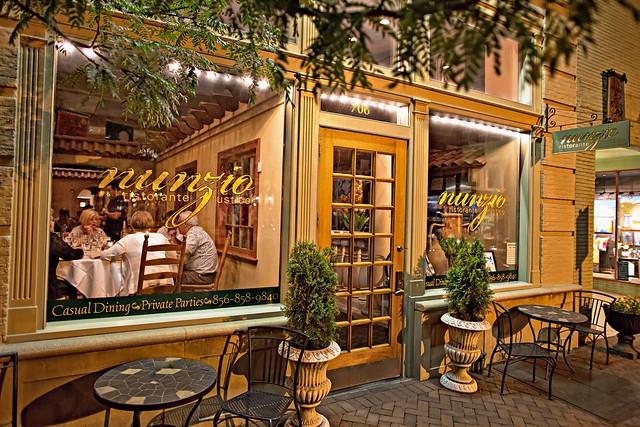 Nunzio s ristorante rustico in collingswood with owner and for Arredamento ristorante rustico