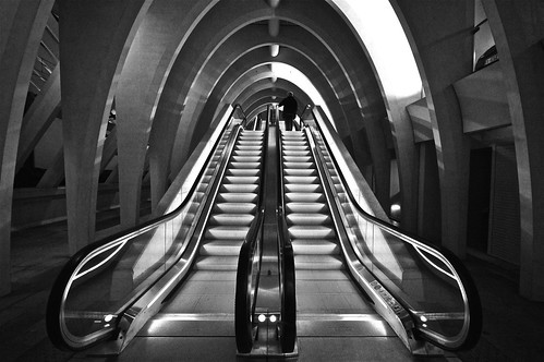 escalator to a station