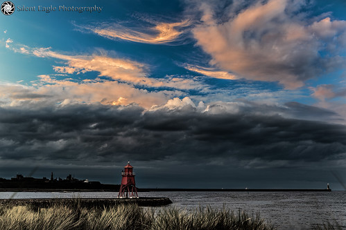 red sea orange lighthouse seascape clouds canon photography silent eagle south north east sep southshields tyneside groyne herd shields rivertyne herdgroynelighthouse copyright© silenteaglephotography silenteagle09