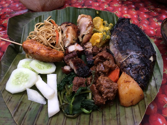 Lunch buffet plate - Villa Escudero