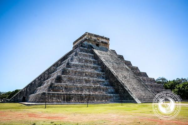 4 Must-See Mayan Ruins in the Yucatan Peninsula  - Chitchen Itza Mayan Ruin
