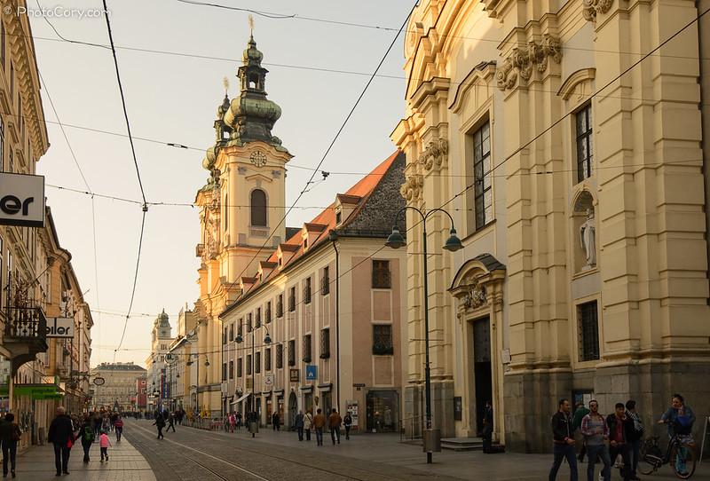 Linz, center