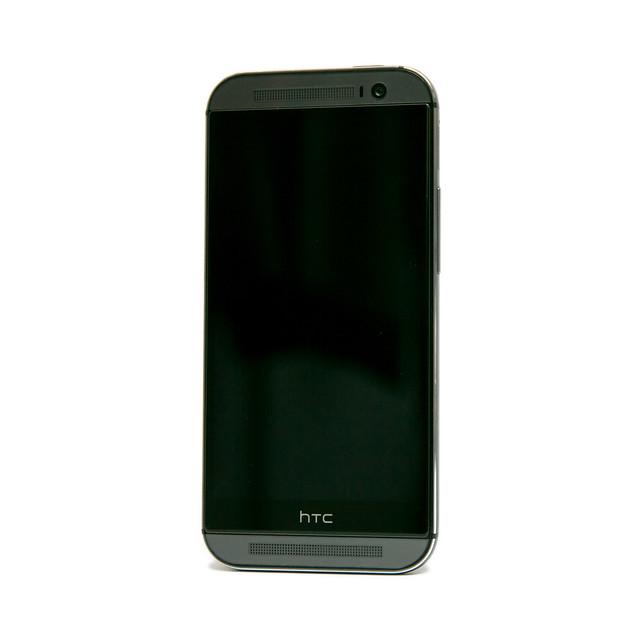HTC One (M8) 也有康寧玻璃保護貼~ HTC Dot View 測試沒問題! @3C 達人廖阿輝