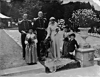 Bayliss-Loftus wedding, group of seven