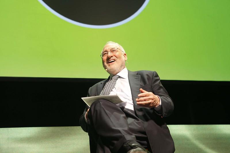 Il nobel per l'economia Stiglitz: