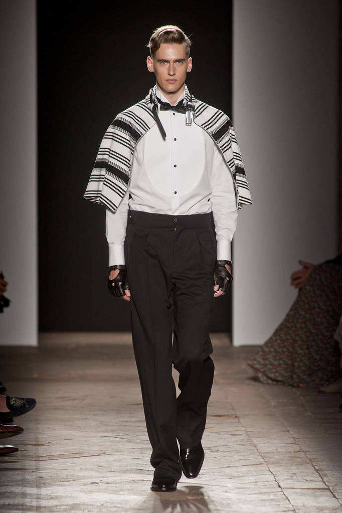 Robin Barnet3089_SS14 Milan Daks(fashionising.com)