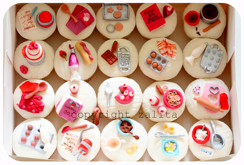 hullets sugar cupcakes for good housekeeping magazine celeb bake by {zalita}