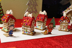 gingerbread house, christmas decoration, gingerbread, food, dessert,