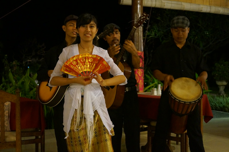 Live Balinese music in one of the restaurants