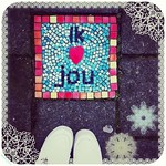 This is so cute!! The kids in the neighbourhood have been making cute mosaic tiles! I ♡ this one.