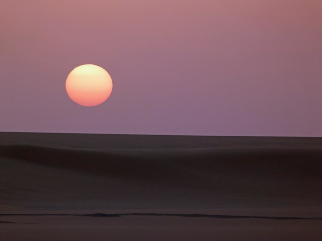 Atardecer en el Gran Mar de Arena (Desierto Líbico, Egipto)