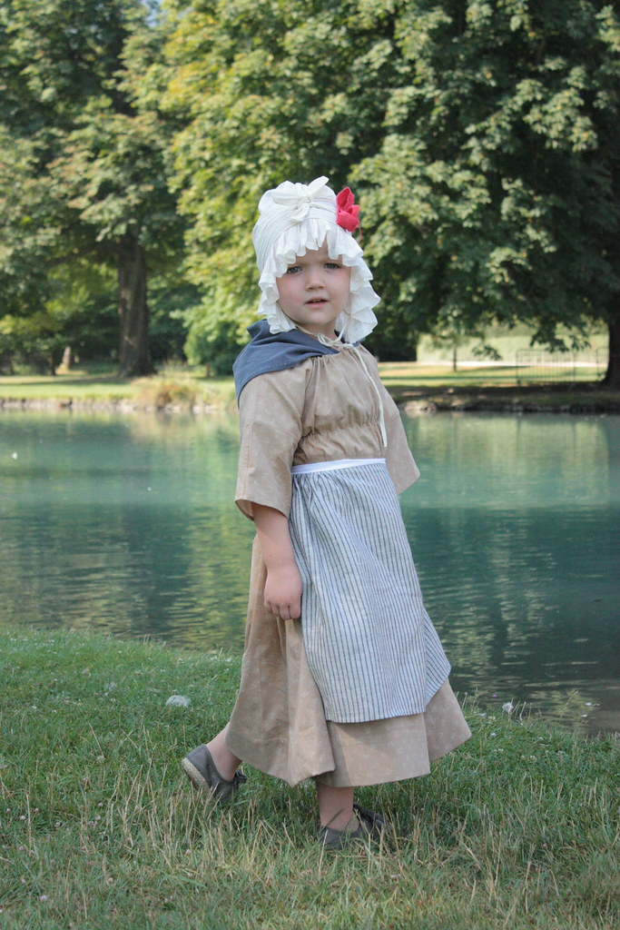 Reproduction de costume d'enfant 1780