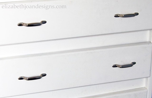Dresser Hardware Makeover
