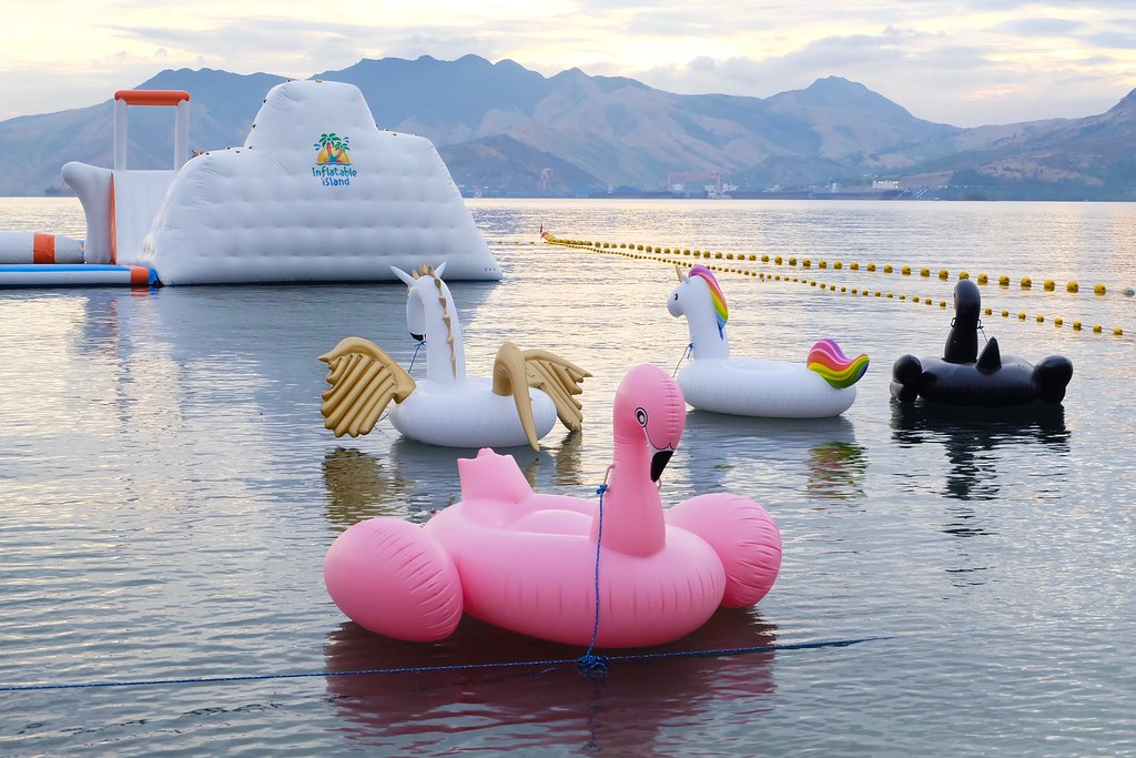 Inflatable island Ph