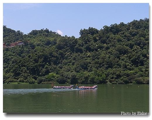 梅花湖上的划龍舟比賽
