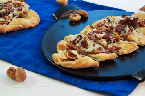 Manchego, Fig & Bacon Flatbreads #SundaySupper