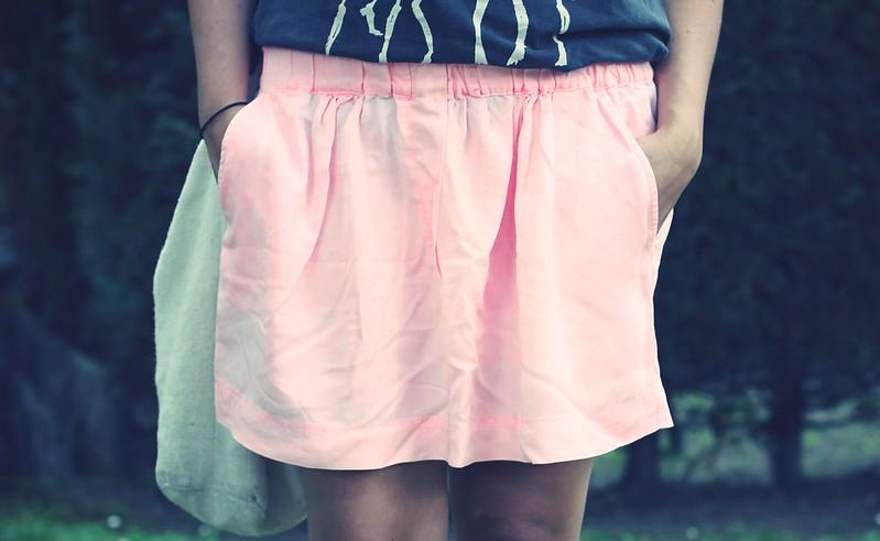 Look Falda Rosa + Camiseta - Monicositas