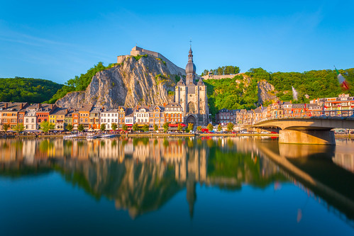 Dinant reflected