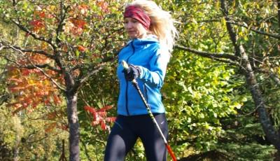 Běžecký styl: Jak ho zlepšit používáním runningových holí